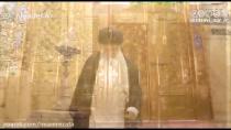 صحنه های زیبا از غبار روبی حرم امام رضا (ع) توسط رهبر انقلاب