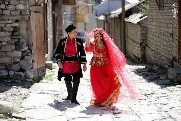کلیپ موسیقی ( اهنگ )ترکی شاد - سیندیرین قیزلار