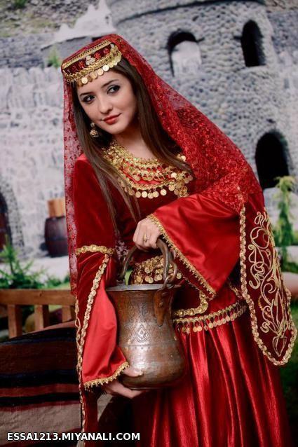 کلیپ رقص و موسیقی زیبای آذری ایرانی - سن دییلر باخواننده معروف زن + ترجمه