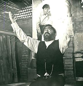 دانلود فیلم قیامت عشق به کارگردانی هوشنگ حسامی محصول سال 1352