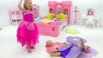 استیسی و دوستش برای مهمانی لباس می گیرند