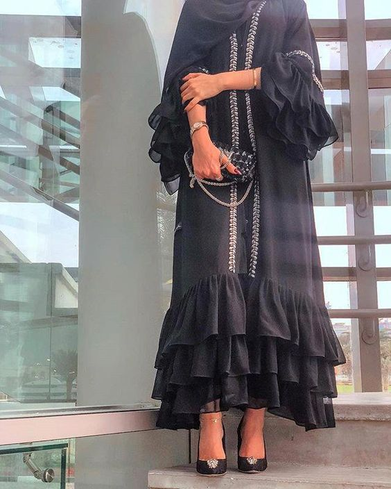 مدل مانتو بلند مشکی مجلسی سال98-2019