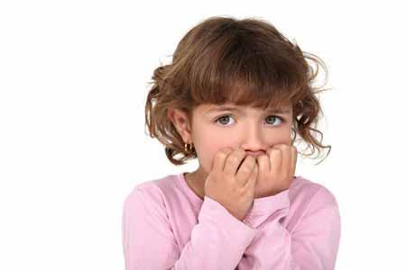 علت جویدن ناخن در کودکان