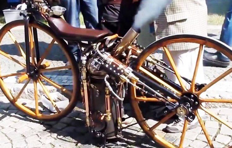 موتورسیکلت با نیروی بخار ؛ موتورسیکلت ها سال ۱۸۶۰ با نیروی بخار کار می کردند