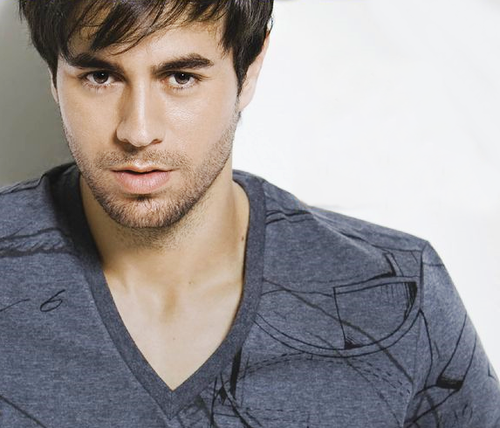 متن و ترجمه On Top Of You از Enrique Iglesias