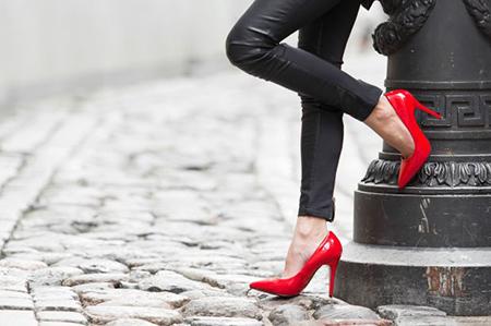 عوارض کفش پاشنه بلند،معایب کفش پاشنه بلند