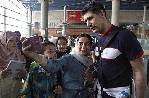 در حاشیه بازگشت تیم والیبال به ایران