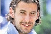 فوتبالیست معروف ایرانی مدل شد