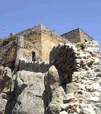 معرفی قلعه بابک | قلعه بابک عکس | بناهای تاریخی ایران
