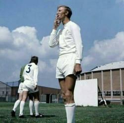 سيگار کشيدن ستاره فوتبال
