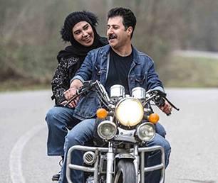 رحمت و همسرش در ماه عسل سوار موتور
