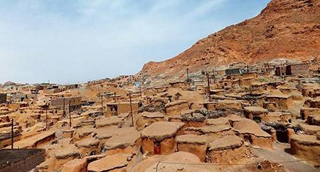 روستای ماخونیک معروف به سرزمین لی لی پوتی های ایران
