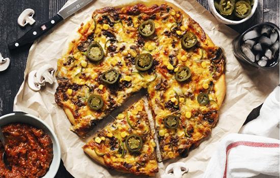 چطور پیتزای مکزیکی درست کنیم؟