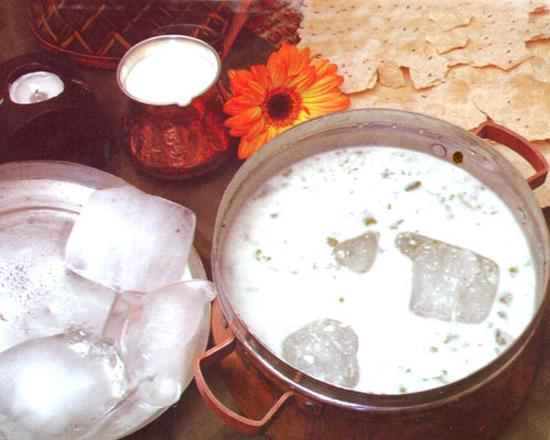 طرز تهیهی آش یخ؛ یک غذای ساده و خوشمزه
