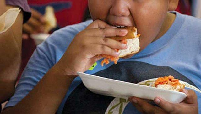 کووید ۱۹ عامل تشدید چاقی در کودکان آمریکایی
