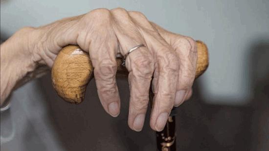 تأثیر قرنطینه بر سلامت روان افراد تنها و سالمندان