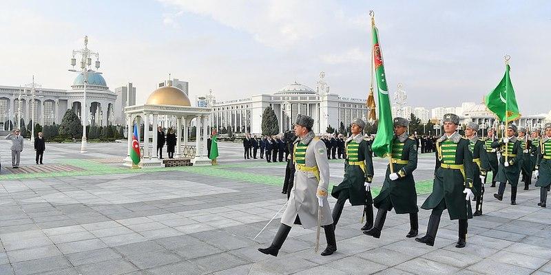 حقایق و قوانین عجیب کشور ترکمنستان؛ کره شمالی ثانی
