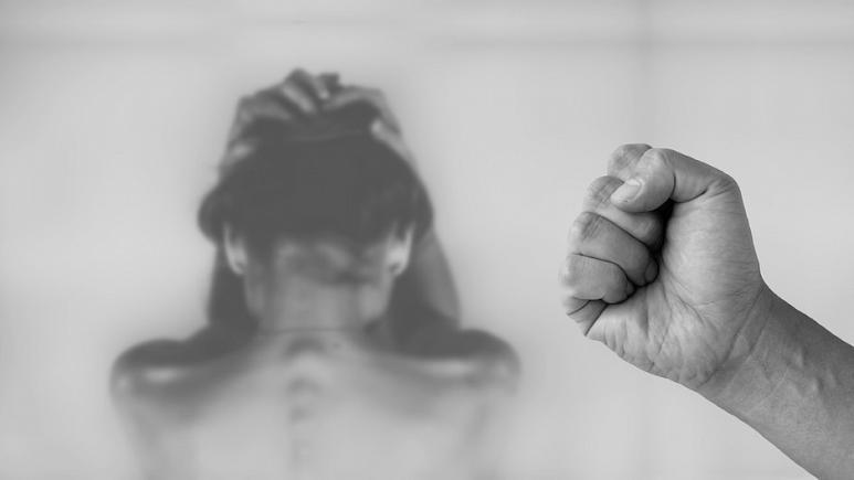 نتایج یک تحقیق: یک پنجم زنان مهاجرآفریقایی پس از ورود به فرانسه خشونت جنسی را تجربه کردهاند