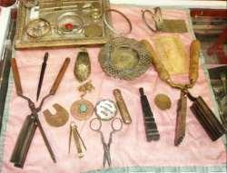 در زمان قاجار از اين وسائل آرايشي استفاده مي کرده اند