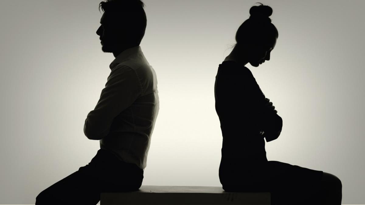 همسرم طلاق می خواهد چه کنم تا منصرف شود؟