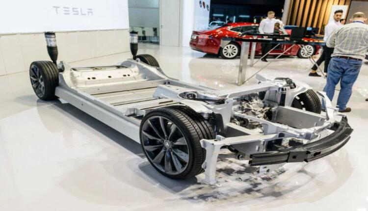 تسلا در حال تولید باتریهای ارزان قیمت با طول عمر بالا است