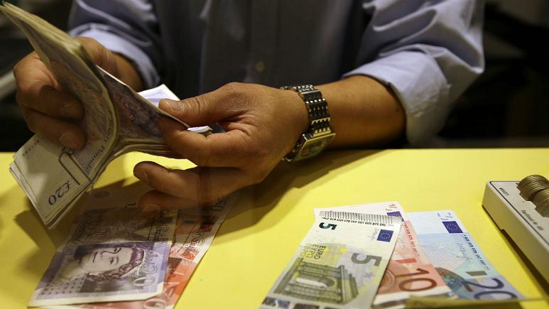 رکوردشکنی نرخ رسمی دلار؛ یورو در بازار آزاد ۱۹ هزارتومان فروش رفت