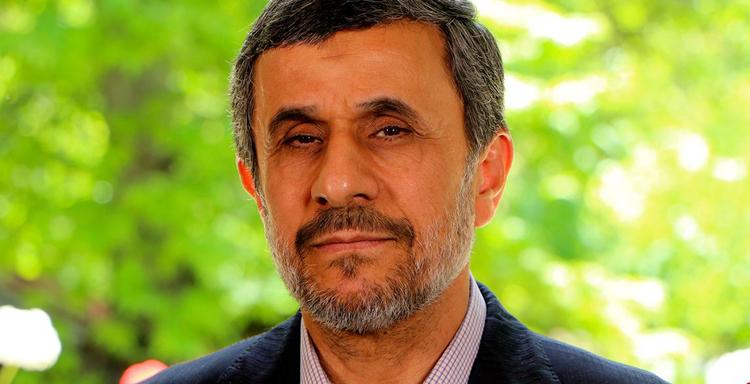 حضور محمود احمدی نژاد در انتخابات ۱۴۰۰