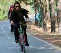 خانم ها اجازه دوچرخه سواري در طرقبه و شانديز را ندارند