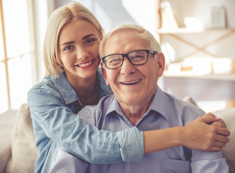 آسیب های پنهان در پس ازدواج زنان جوان با مردان مسن