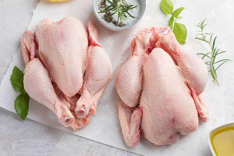 قیمت مرغ به ١١.۵ هزارتومان کاهش یافت