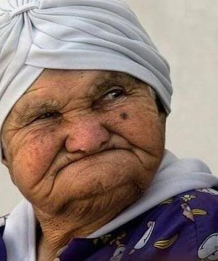 داستان جذاب و خواندنی پیرزن و آرایش صورت