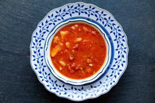 طرز تهیه ی سوپ گوشت قرمز با گوجه فرنگی و لوبیا سفید