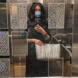 عکس مريم معصومي در آسانسور
