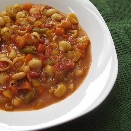 طرز تهیه ی سوپ ماکارونی و سبزیجات