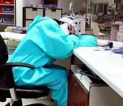 پرستار خسته در روزهاي کرونايي