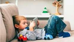 شبکه هاي اجتماعي باعث بلوغ زودرس کودکان مي شوند