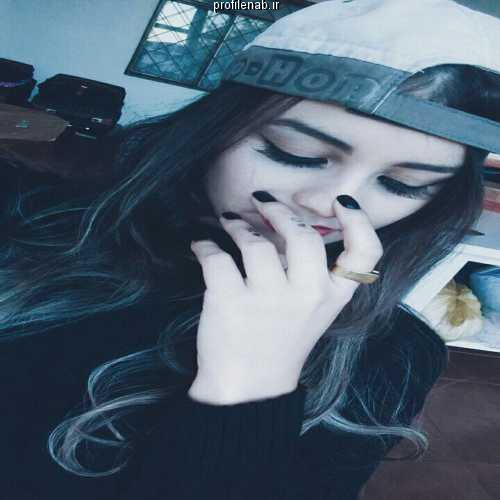 عکس پروفایل دختر سیاه سفید غمگین