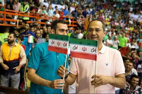 عکس های حضور رامبد و جناب خان خندوانه در بازی والیبال ایران و امریکا