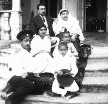 عکس شاه قاجار در تبعيد