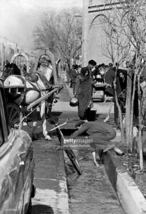 شستن دوچرخه در خيابان هاي تهران سال 1335