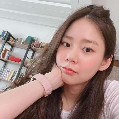 عکس های جذاب هان سئونگ یئون 2021