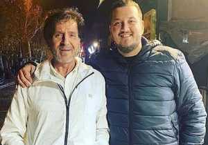 ابولفضل پور عرب و پسرش در يک عکس