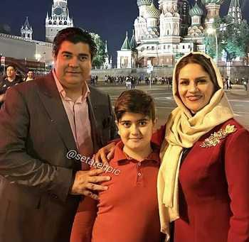 سالار عقيلي با همسر و پسرش در خارج کشور