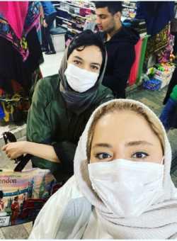 نرگس محمدي در حال بازار گردي