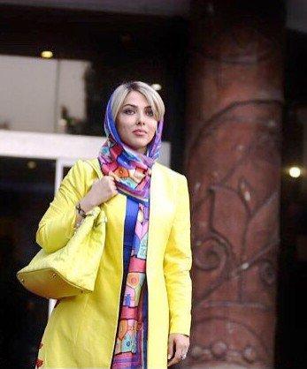 عکس های لیلا اوتادی با مانتوی زرد رنگش!