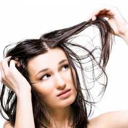 درمان موهاي چرب با روش هاي ساده / خلاص شدن از موهاي چرب