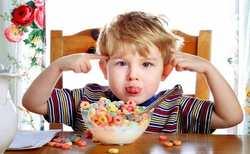 چگونه کودک بيش فعال را کنترل کنيم؟ / درمان کودک بيش فعال