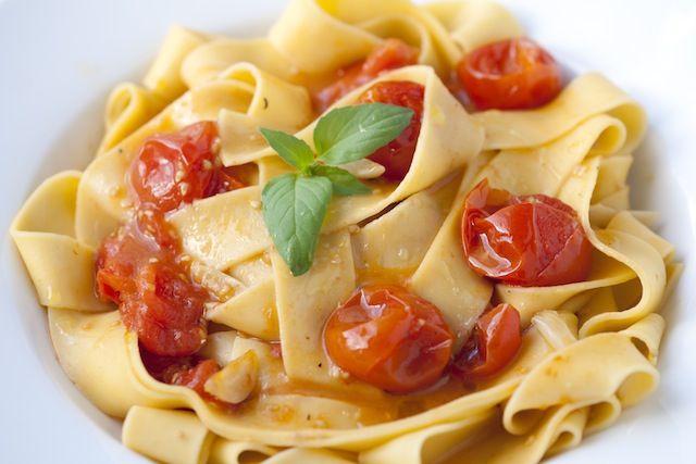 طرز تهیه پاستای گوجه فرنگی و هل