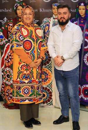 مدل لباس بسيار زيباي همسر آقاي ظريف در تاجيکستان