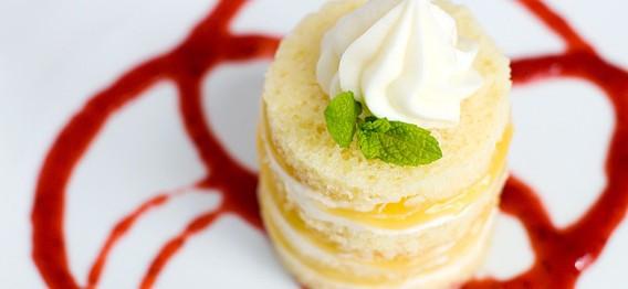 طرز تهیه کیک اسفنجی با کرم لیمو